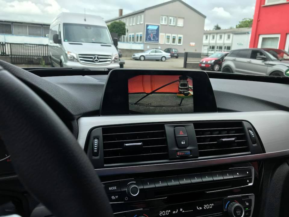 BMW-4er-Rueckfahrkamera-nachruesten-Navigation-6una