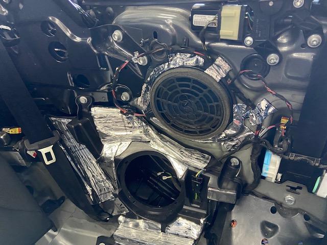 Audi-A5-B-O-Subwoofer