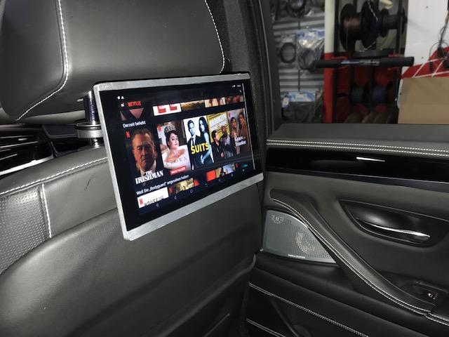 BMW-rear-seat-entertainment-netflix-film